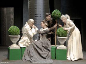 L'Avaro nella foto una scena dello spettacolo
