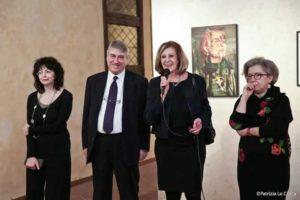 In foto da sin. Marina Buratti, Giorgio Bonomi, Marcella Graziano assessore alla cultura e Lia Giachero co - curatrice.